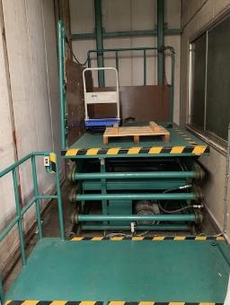 業務用エレベータの写真